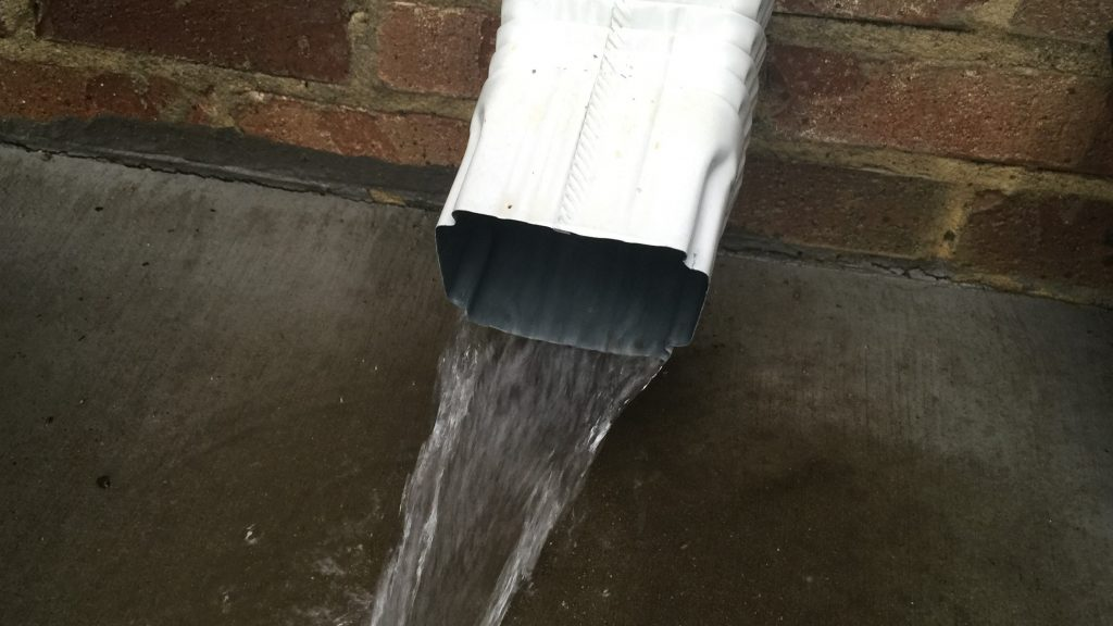 Downspout test with gutter cleaning service